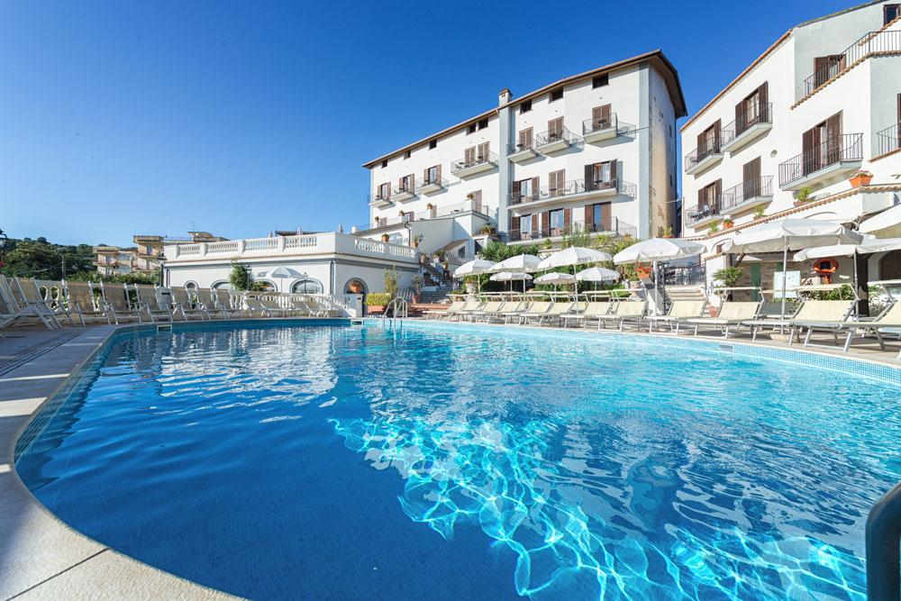 hotel_jaccarino_hotel_a_sant_agata_sui_due_golfi_massa_lubrense_sorrento_foto_m_piscina